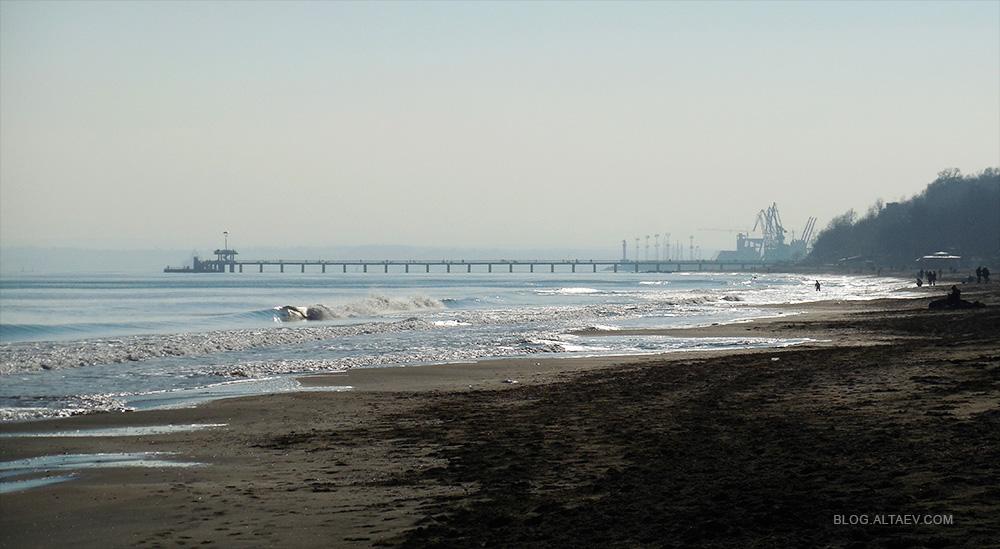 Городской пляж Бургаса зимой